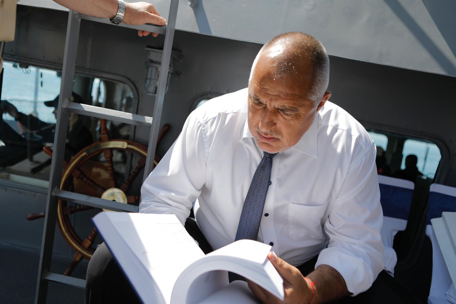 Бойко Борисов във военноморски рейд  -   снимки