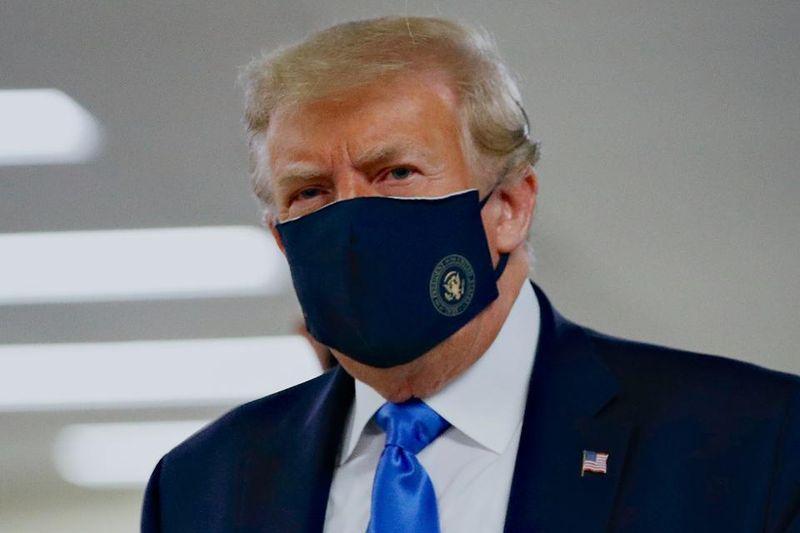 """Тръмп и съпругата му са с коронавирус, президентът има """"леки симптоми"""" - Mediapool.bg"""