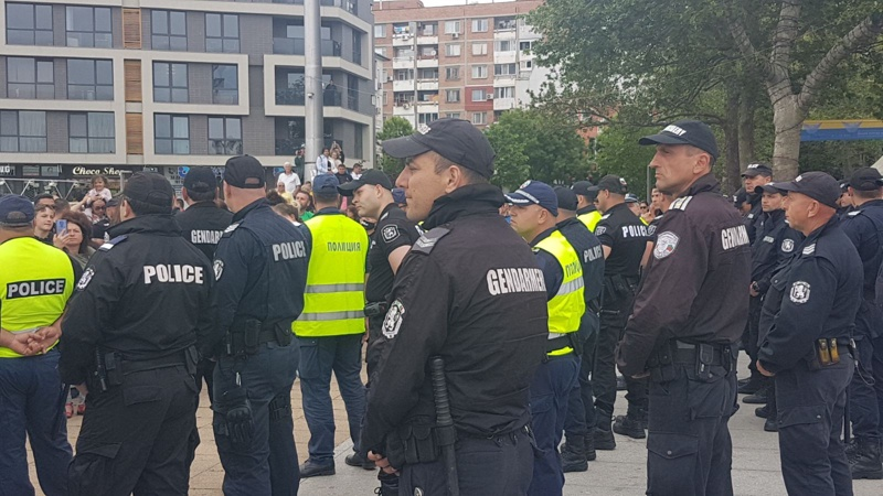 Напрежение в Бургас заради гей парад (видео) - Mediapool.bg