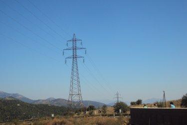 Износът на ток намалял с 1/5 заради начислявани такси