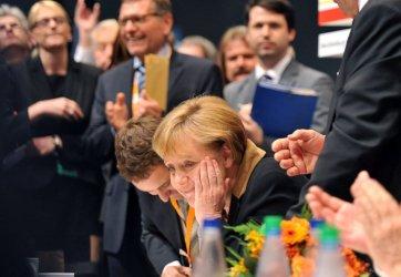 Меркел за седми път избрана начело на ХДС