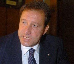Министърът на отбраната Ангел Найденов