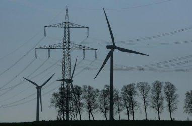 В новия модел на цената на тока е заложена ВЕИ-бомба