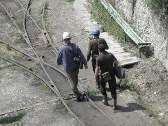Синдикати чакат съкращения на 3500 миньори заради енергийните цени
