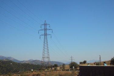 Разделянето на НЕК и ЕСО бави борсата за ток