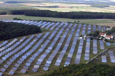 Спорната такса върху ВЕИ ще отива в НЕК чрез нов енергофонд