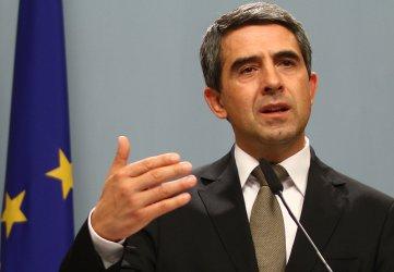 Плевнелиев обвини БСП в опит да му отнемат демократичните права
