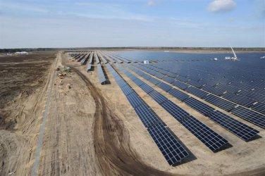 Слънчеви централи се оплакват в ЕК от регулаторна дискриминация