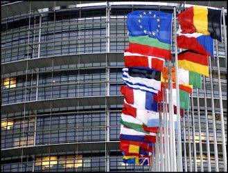 Новата ЕК преодоля парламентарното препятствие, но може да се забави