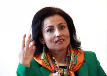 Десислава Танева иска българското знаме върху стоките в магазините