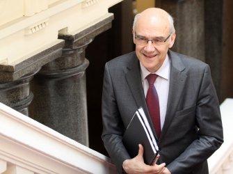 Шефът на КЕВР: 2015 г. е последната възможна за реформиране на енергетиката