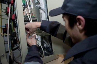 Ударно законотворчество срещу поскъпването на тока