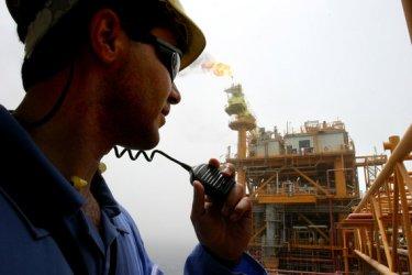 Иран планира да залее пазара с нефт