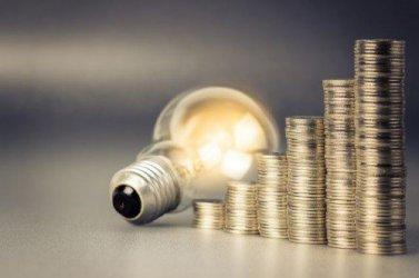 Управляващите подготвят бита за по-скъп ток догодина