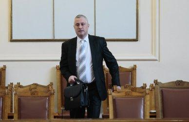 Лукарски обяви, че скоро ще е готов докладът за картел при горивата