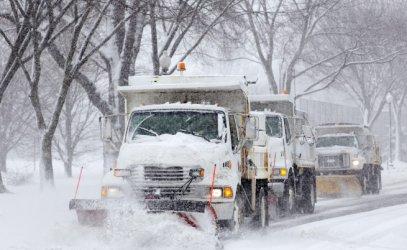 Рекорден снеговалеж в САЩ взе три жертви