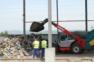 Общини ще правят компостиращи и анаеробни инсталации за отпадъци с 266 млн. лв.
