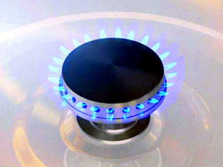 По-евтиният с 10% газ от юли ще повлияе и цените на тока и парното