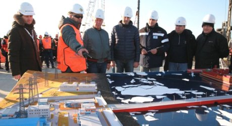 В Русия започва строеж на бреговата инфраструктура за първата плаваща АЕЦ