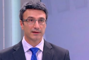 Според Трайков президентът и сега може да е силен, Каракачанов поиска още правомощия