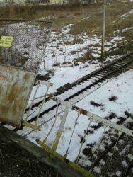 Спряха влаковете по жп линията София – Варна заради опасен парапет