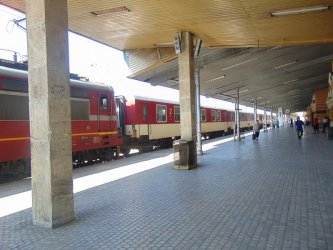 БДЖ пуска допълнителни вагони по празниците