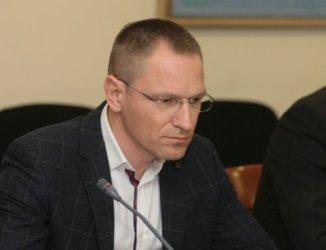 Нерегламентираните контакти на главния прокурор с бизнесмен и издател увреждат съдебната власт