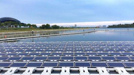 Сингапур строи плаваща соларна електроцентрала