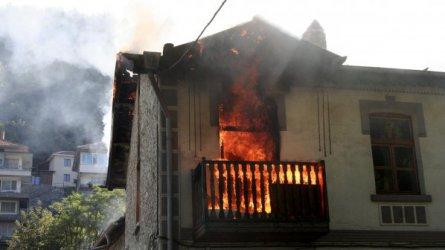 Общо 91 души са загинали при пожари през тази година