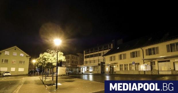 Изглед от швейцарското градче Флумс Тийнейджър с психически проблеми нападна