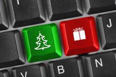 Над една четвърт от българите плащат с дебитна карта при онлайн пазаруване