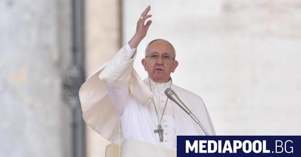 Папа Франциск, сн. БГНЕС Папа Франциск посети днес в Дака