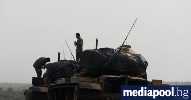 Турски танкове по границата със Сирия Самолети на турските военновъздушни