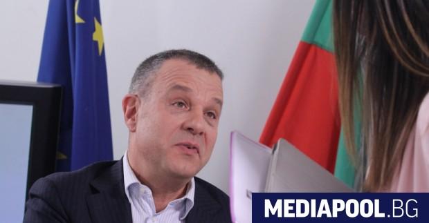 Емил Кошлуков, сн. БГНЕСПрограмният директор на БНТ 1 Емил Кошлуков