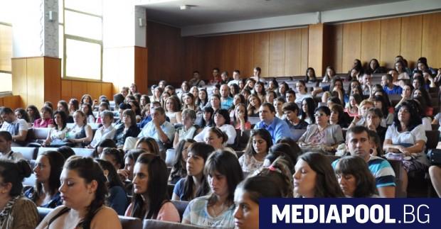 Държавната субсидия за обучението на студенти във филиалите на университетите