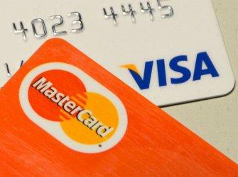Клиенти на НАП могат да превеждат данъци и вноски без такса