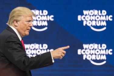 Тръмп продължава да представя имигранти като престъпници