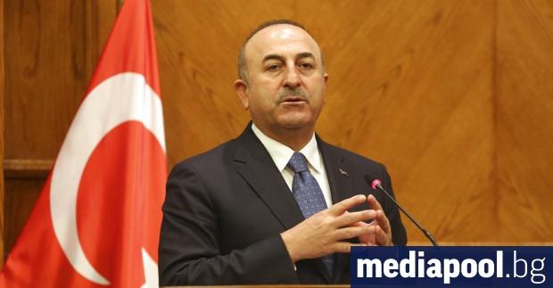 Турският министър на външните работи Мевлют Чавушоглу Сирийските правителствени сили