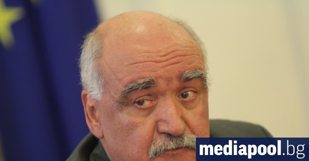 Министърът на здравеопазването Кирил Ананиев е поискал оставката на директора