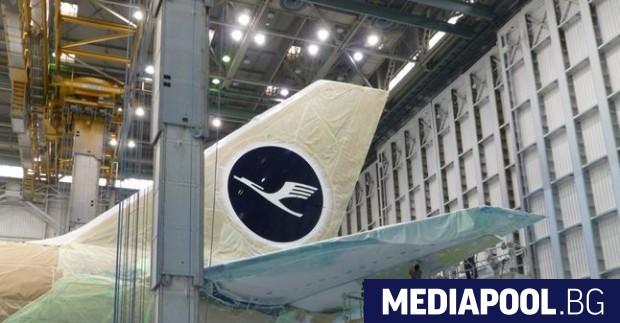 Новият знак върху опашката на самолетите на ЛуфтханзаНемската авиокомпания Луфтханза