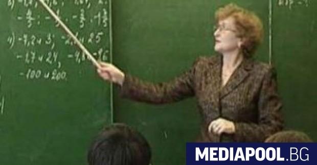 В следващите 8 години над 40% от българските учители предстои