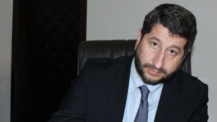 Христо Иванов: Страната се плъзга към все по-голям авторитаризъм