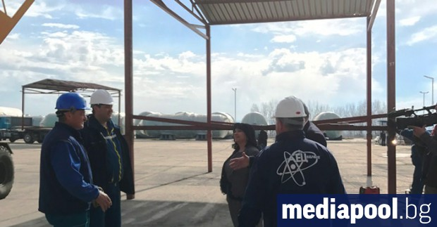 Преди дни Петкова инспектира състоянието на оборудването за АЕЦ