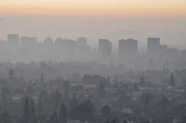 Световен рекорден ръст на СО2 емисиите от енергетиката