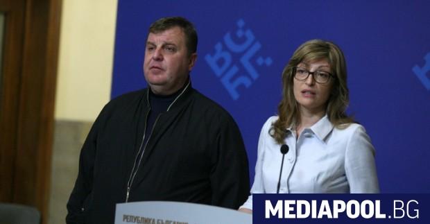 Вицепремиерите Красимир Каракачанов и Екатерина Захариева. БГНЕС Както се очакваше,