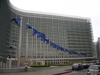 """""""Таймс"""": Брюксел заплашва да спре парите за източните автократи"""