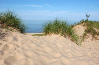 Строежи върху заменени дюни и гори предвижда планът на Царево
