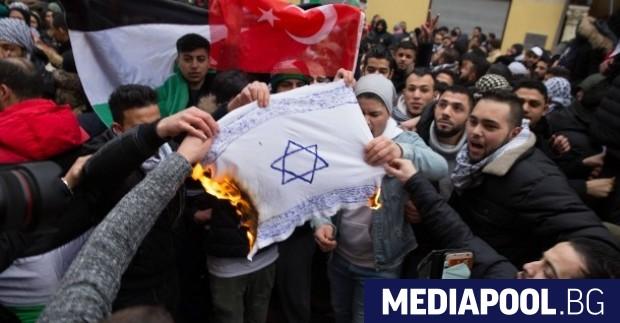 Централният съвет на мюсюлманите в Германия определи антисемитизма като грях,