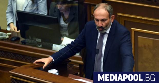 Никол Пашинян След три седмици на антиправителствени протести парламентът на