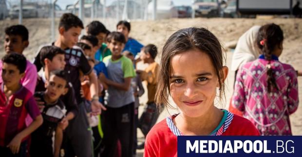 Европейският парламент призова страните членки да не задържат децата мигранти